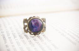 Retro pierścionek, malowane szkło - kosmos