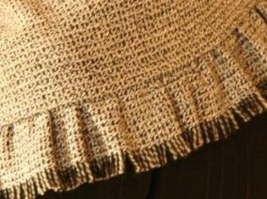 Szal - narzutka z tkaniny wełnianej