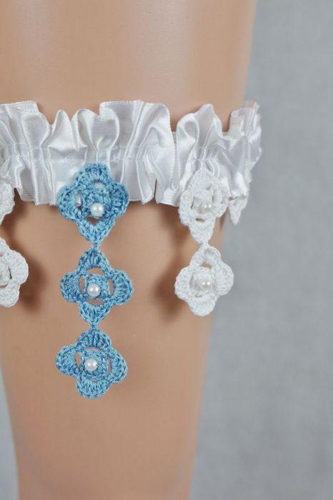Podwiązka ślubna biała z niebieskim - podwiązka ręcznie robiona