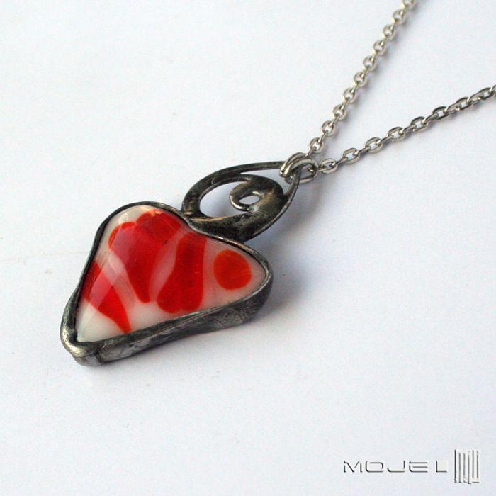 Serce w czerwieni i bieli - wisior z sercem