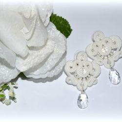 białe kolczyki sutasz, ślubne z swarovskimi