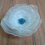 Broszka kwiat seledynowy