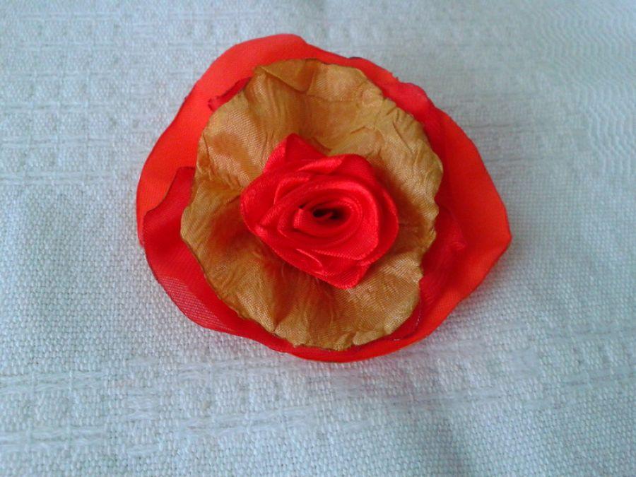 Broszka kwiat  czerwona róża