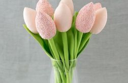 Tulipany, kwiaty z materiału morelowe