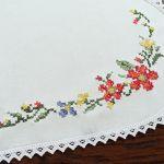 Bieżnik Kwiaty polne, haft krzyżykowy