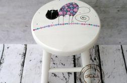 personalizowany drewniany taboret ręcznie malowany z kotem