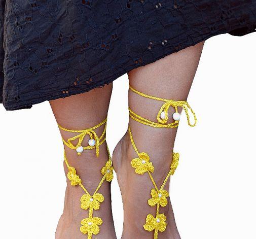 Ozdoba na stopy żółty kwiatek