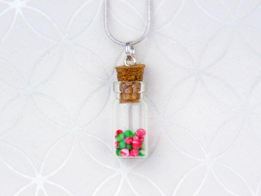 Wisiorek buteleczka z cukiereczkami