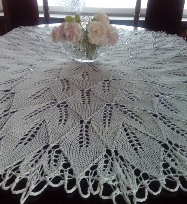 Duży obrus na drutach 150 cm biały - obrus okrągły
