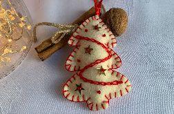 Dekoracja świąteczna z filcu z ozdobnym haftem - wzór 020