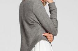 2warstwowa bluzka z asymetrycznym wycięciem
