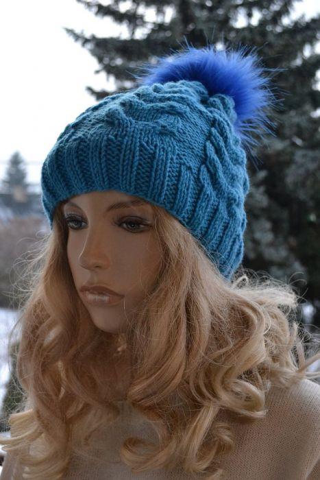 Cieła czapka w warkocze turkusowa