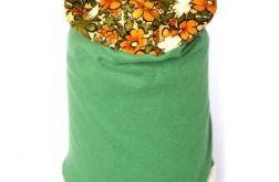 czapka w kwiaty zielona