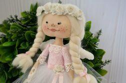 Aniołek biało-różowy, w pudełku na prezent