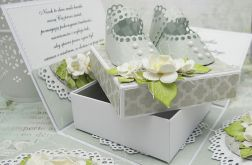 Wyjątkowe pudełko na Chrzest  z bucikami