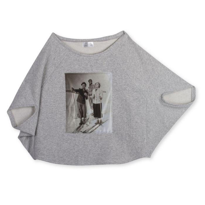 szara bluza w stylu poncho