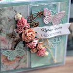Kartka na urodziny - z kwiatami i sznurkiem