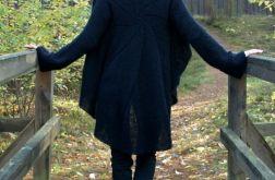 Czarny sweter z koła