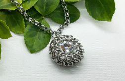 Medalion chainmaille z kryształem Swarovskiego 3