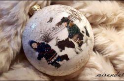 Bombka medalion dzieci z kozą