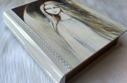 szkatułka-książka świetlisty anioł