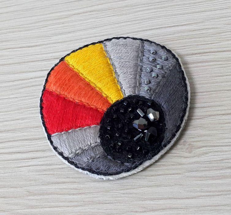 Broszka haft paleta barw