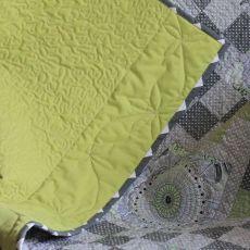 Patchworkowy obrus, zielonkawe szarości