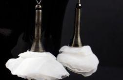 Kolczyki z tkaniny długie białe czarne