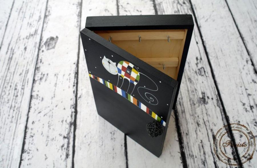 pudełko na klucze z tablicą kot krata
