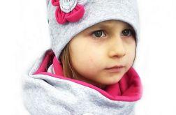Komin i czapka szaro - różowe z ozdobą