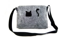 Small bag with cat