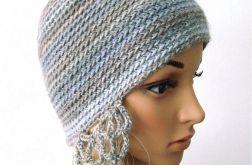 czapka z ażurowymi nausznikami, w szarościach