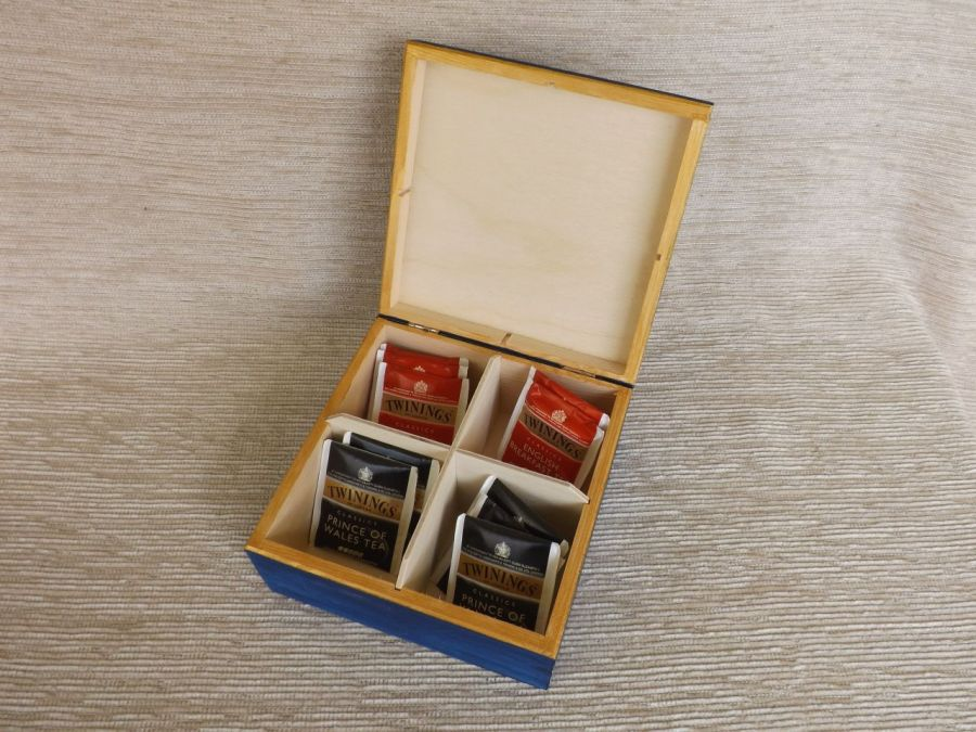 Herbaciarka kwadratowa malowana- Jeżówka - pudełko z boku