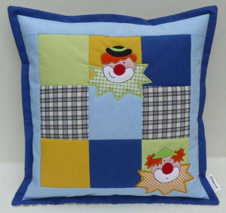 Klauny - poszewka na poduszkę