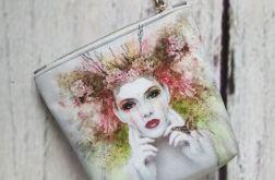 Mała kosmetyczka z kobietą z motylem