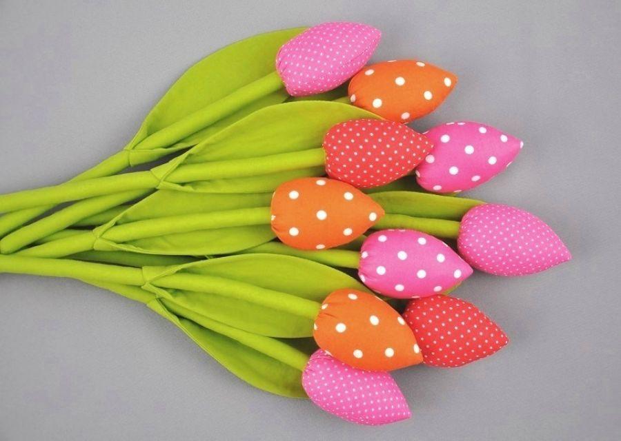 Tulipany, kwiaty szyte z materiału