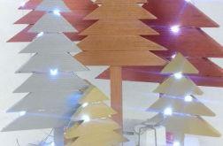 Drewniana instalacja Złota z 7 choinek 50 led