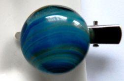 Niebieska broszka, przypinka z agatem