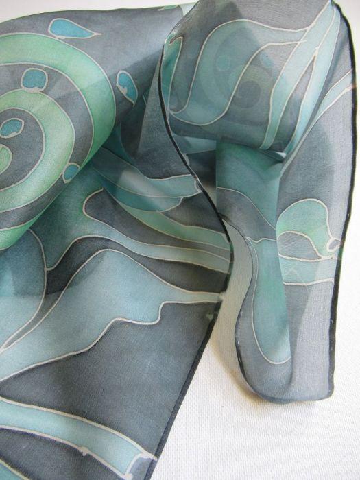 Jedwabna apaszka Rośliny w tonacji zielonej