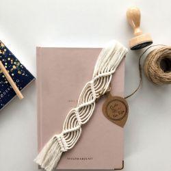 Zakładka do książki handmade z frędzlami