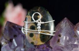 Jaspis Srebrny pierścionek z jaspisem.