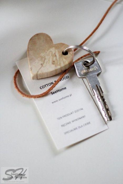 Brelok do kluczy w kształcie serca