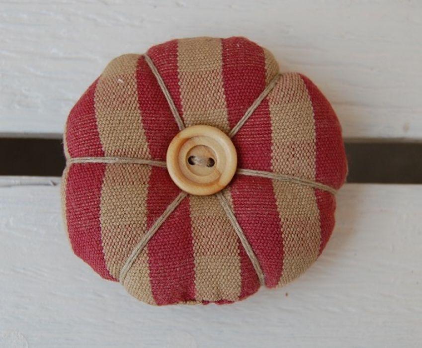 Rustykalna broszka