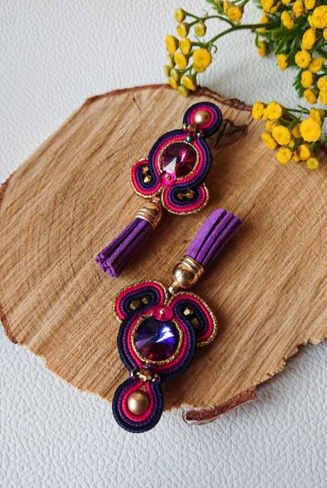 Różowo-fioletowe sztyfty z chwostami