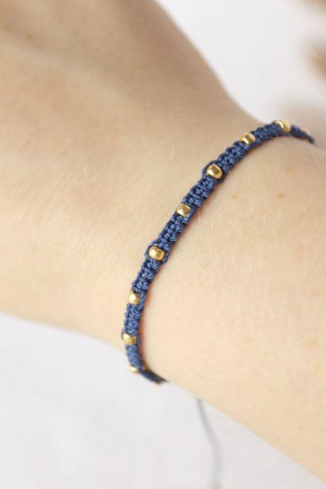 Relva pleciona bransoletka niebieska - Niebieska pleciona bransoletka z koralikami