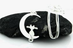 Srebrny naszyjnik kot na księżycu