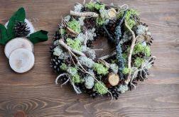 Naturalny wianek jesienny, dekoracja stołu