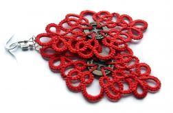 Czerwone ftywolitki z guzikiem