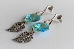 Długie kolczyki z błękitnym kryształkiem
