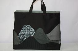 torba czarna worek góry nocą- na Fundację